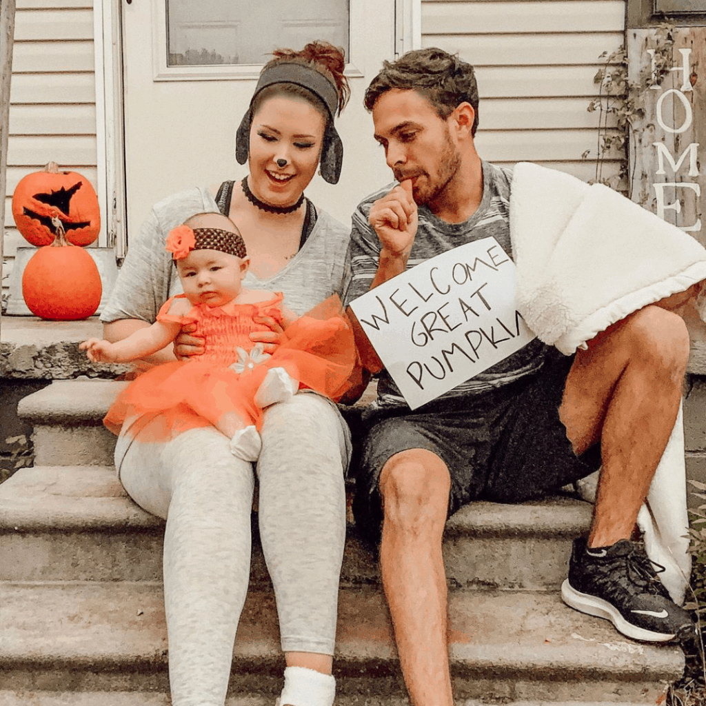 family dressed as the great pumpkin