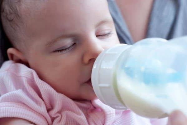how to bottle feed a breastfed baby