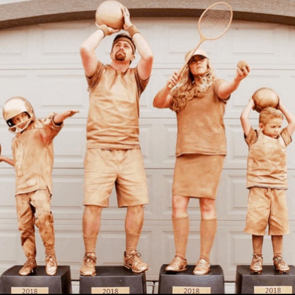 creative family costumes