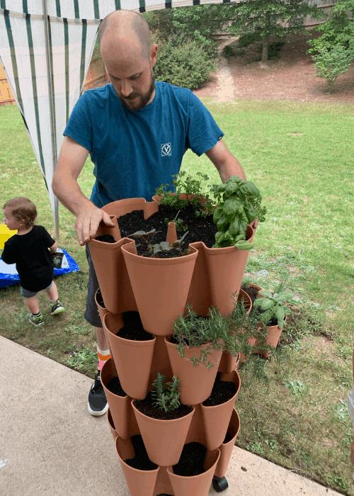 assembling a greenstalk planter